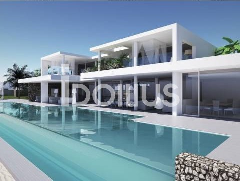Beautiful and modern style single villa with swimming pool in Sirmione
